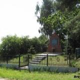 Mogiła powstańców 1863 r. na skraju wsi Borowe koło Krzywosądza.