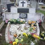 Mogiła powstańców na cmentarzu w Kodniu.