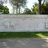 Bayonne. Pomnik poległych.