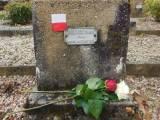 Falaise. Grób polskiego żołnierza.