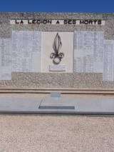 Puyloubier. Pomnik poległych legionistów.