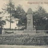 Pomnik na cmentarzu wojennym w Modlinie.