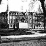 pomnik150-2.jpg