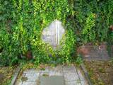pomnik02.jpg